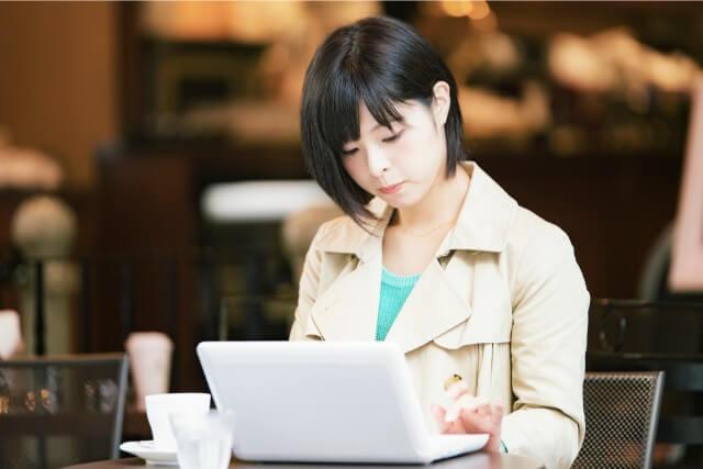 ビジネスマナーでの宛名書きとスピーチのコツ・新入社員の心構え